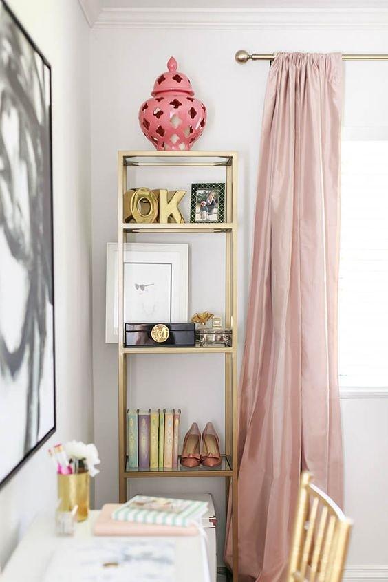 Фотография: Кабинет в стиле Прованс и Кантри, Декор интерьера, Декор, Розовый – фото на INMYROOM