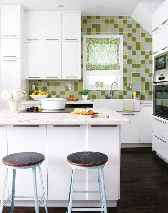 Фотография: Кухня и столовая в стиле Скандинавский, Хранение, Стиль жизни, Советы, Шкаф, Полки – фото на INMYROOM