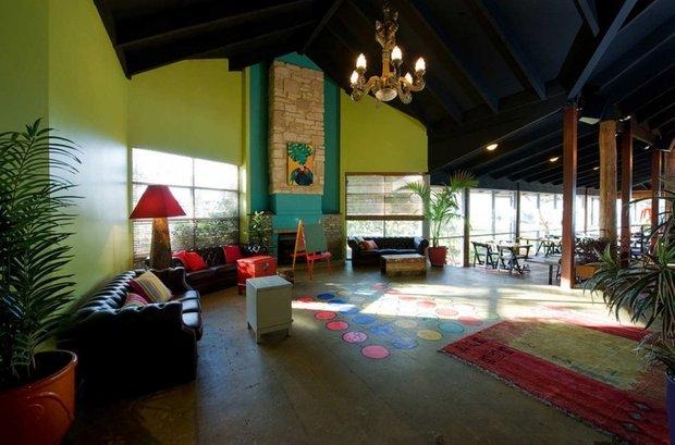 Фотография: Гостиная в стиле Современный, Детская, Интерьер комнат – фото на INMYROOM