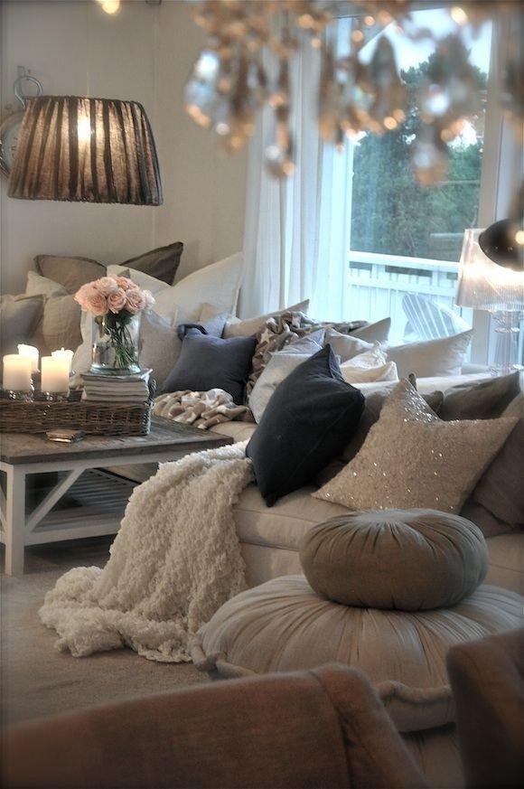 Фотография: Гостиная в стиле Скандинавский, Декор интерьера, Дом, Декор, Декор дома, Цвет в интерьере – фото на INMYROOM