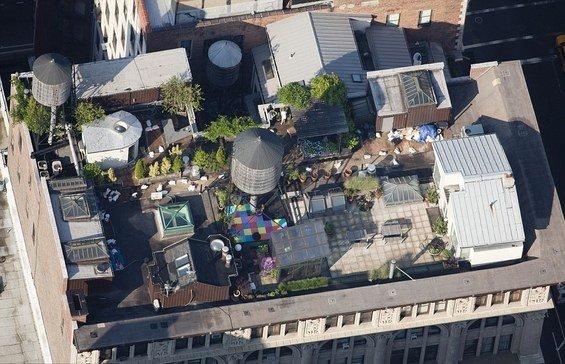 Фотография: Кухня и столовая в стиле Скандинавский, Дома и квартиры, Городские места, Нью-Йорк – фото на INMYROOM