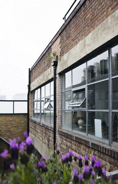 Фотография: Ванная в стиле Современный, Лофт, Дом, Цвет в интерьере, Дома и квартиры, Лондон, Серый, Индустриальный – фото на INMYROOM