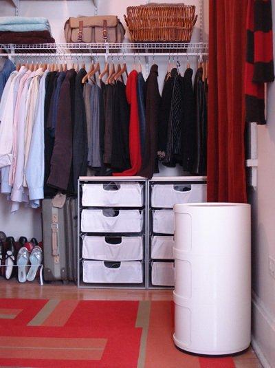 Фотография: Гардеробная в стиле Современный, Спальня, Декор интерьера, Интерьер комнат, Системы хранения, Кровать, Гардероб – фото на INMYROOM