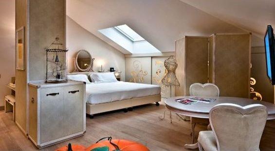Фотография: Спальня в стиле Прованс и Кантри, Дома и квартиры, Городские места, Отель, Модерн, Милан, Замок – фото на InMyRoom.ru