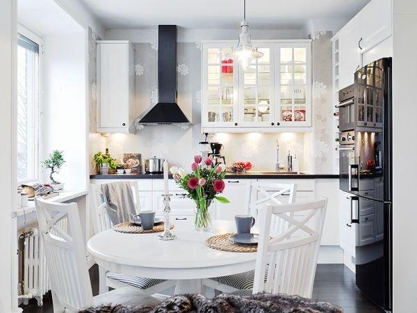 Фотография: Кухня и столовая в стиле Скандинавский, Декор интерьера, Квартира, Дом, Цвет в интерьере, Дома и квартиры, Белый, Винтаж – фото на INMYROOM