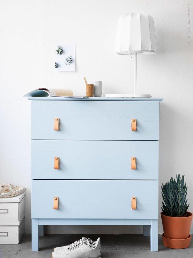 Фотография: Мебель и свет в стиле Современный, DIY, Советы, мебель, как самостоятельно покрасить кухонную мебель, двери и мебель в одном стиле – фото на INMYROOM