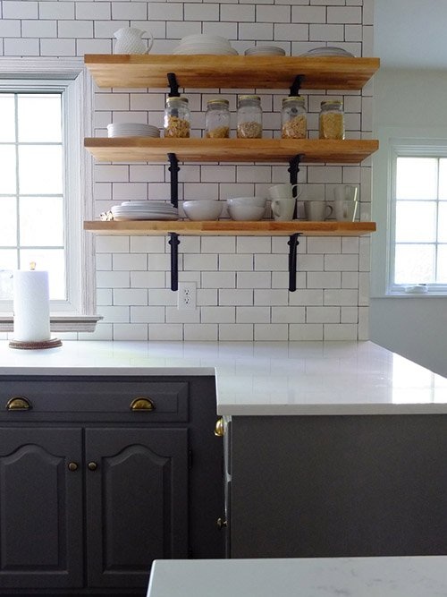 Фотография: Кухня и столовая в стиле Скандинавский, Современный, Классический, Мебель и свет, Переделка – фото на INMYROOM