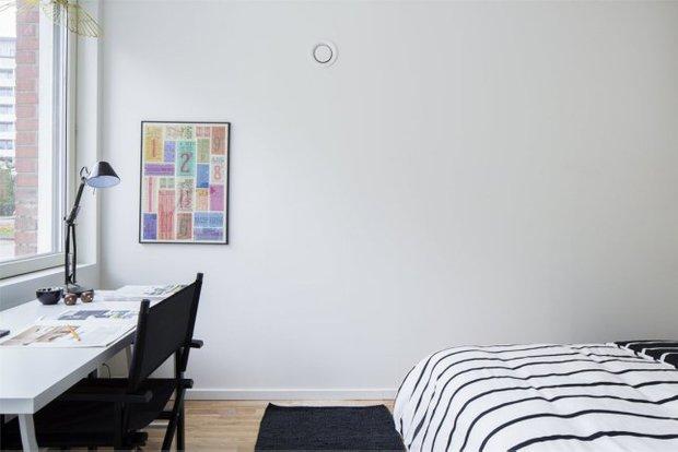 Фотография: Спальня в стиле Скандинавский, Малогабаритная квартира, Квартира, Планировки, Хранение – фото на INMYROOM