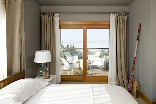 Фотография: Спальня в стиле Минимализм, Декор интерьера, Дом, Дома и квартиры – фото на InMyRoom.ru