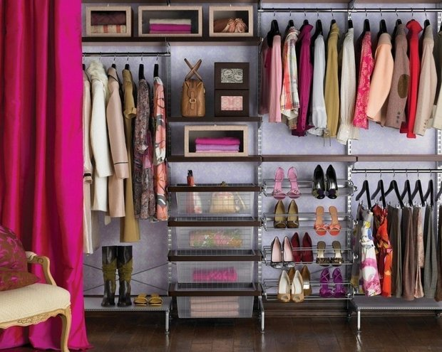 Фотография:  в стиле , Гид, Екатерина Попова, Beindesign, как оубстроить гардеробную, гардеробная в малогабаритке, хранение вещей в малогабаритке, «Уютная квартира», спальня с гардеробом, хранение вещей, система хранения в малогабаритке, гардеробная в квартире, организация хранения, хранение аксессуаров – фото на INMYROOM