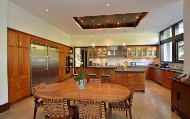 Фотография: Кухня и столовая в стиле Классический, Современный, Дом, Дома и квартиры, Интерьеры звезд – фото на INMYROOM