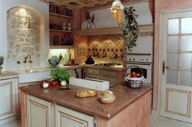 Фотография: Кухня и столовая в стиле , Декор интерьера, Дом, Франция, Декор дома, Цвет в интерьере, Советы, Прованс – фото на InMyRoom.ru