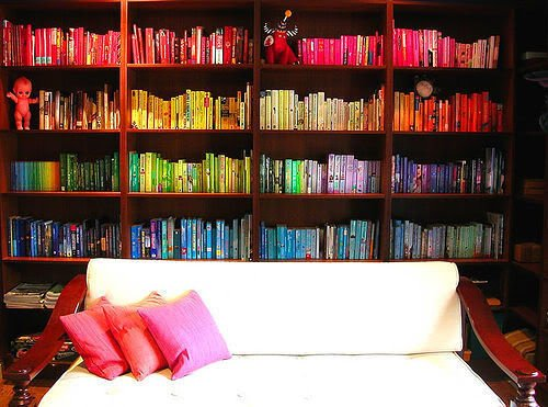 Фотография:  в стиле , Гостиная, Декор интерьера, Интерьер комнат, Цвет в интерьере, Советы – фото на INMYROOM