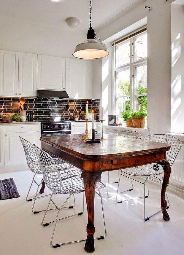 Фотография: Кухня и столовая в стиле Современный, Декор интерьера, Мебель и свет, Советы, Коричневый – фото на INMYROOM