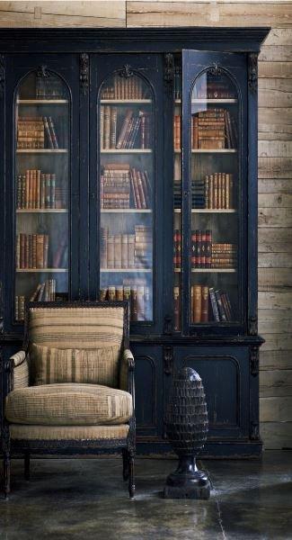 Фотография: Мебель и свет в стиле Прованс и Кантри, Декор интерьера, Декор, Домашняя библиотека, как разместить книги в интерьере, книги в интерьере – фото на INMYROOM