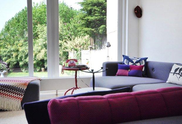 Фотография: Гостиная в стиле Скандинавский, Современный, Дом, Цвет в интерьере, Дома и квартиры, Белый – фото на INMYROOM