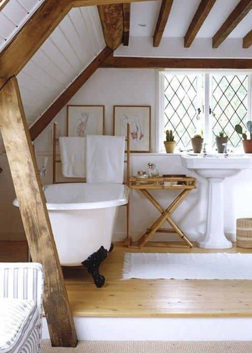 Фотография: Ванная в стиле Прованс и Кантри, Современный, Чердак, Мансарда – фото на INMYROOM