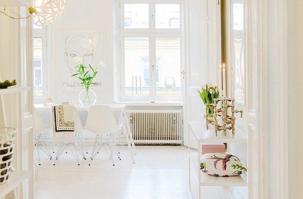 Фотография: Кухня и столовая в стиле Скандинавский, Современный, Малогабаритная квартира, Квартира, Цвет в интерьере, Дома и квартиры, Белый – фото на InMyRoom.ru