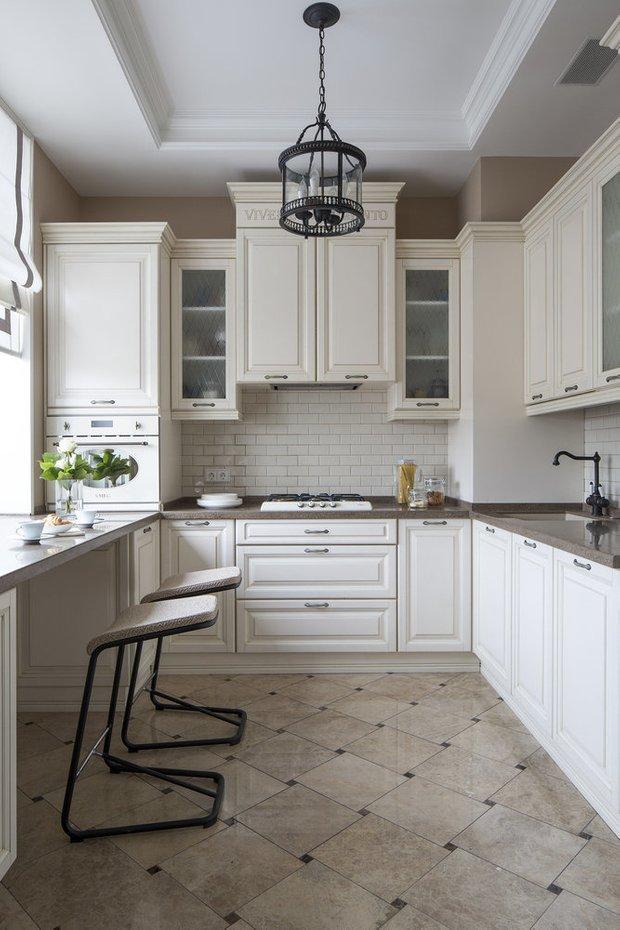 Фотография: Кухня и столовая в стиле Классический, Советы, маленькая кухня, OBI, рабочая зона на кухне – фото на INMYROOM