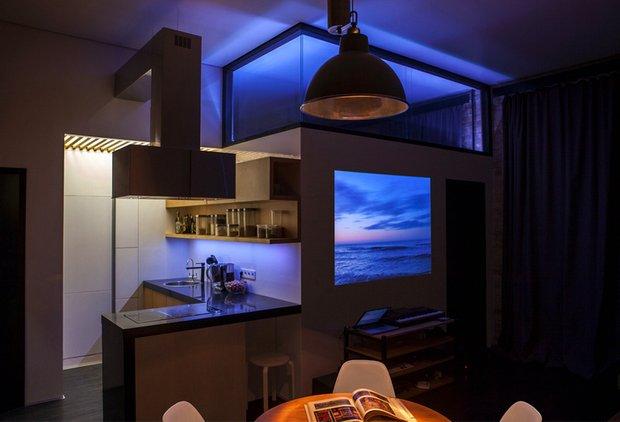 Фотография: Кухня и столовая в стиле Лофт, Декор интерьера, Советы, стекло в интерьере, пластик в интерьере, интерьерный тренд, тенденция – фото на INMYROOM