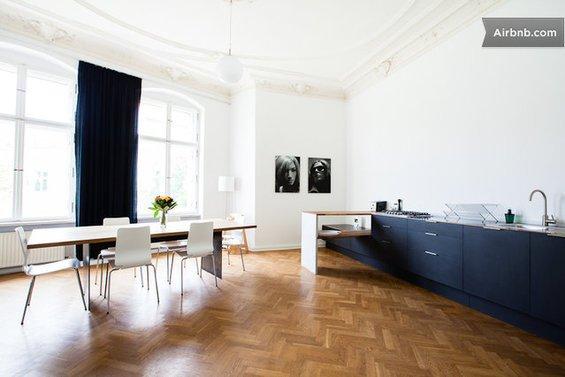 Фотография: Спальня в стиле Современный, Стиль жизни, Советы, Париж, Airbnb – фото на InMyRoom.ru