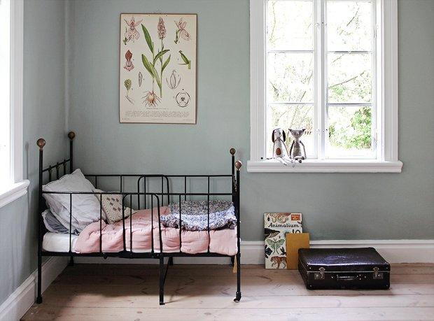 Фотография: Детская в стиле Прованс и Кантри, Декор интерьера, Дом, Швеция, Дача, Розовый, как оформить летний дом – фото на InMyRoom.ru