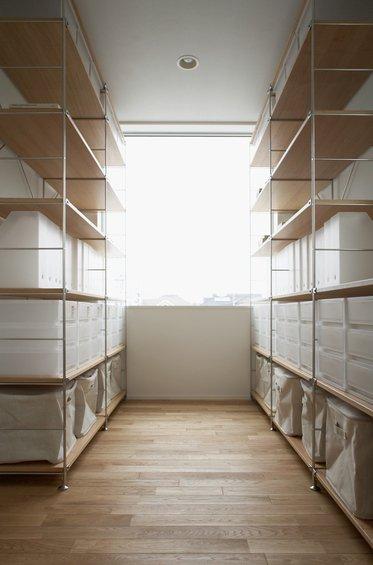 Фотография: Гардеробная в стиле Современный, Дом, Дома и квартиры, Япония – фото на INMYROOM