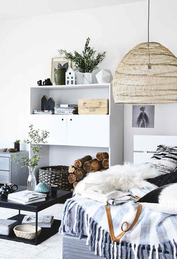 Фотография: Спальня в стиле Скандинавский, Современный, Дом, Белый, Черный, Серый, Дом и дача – фото на INMYROOM