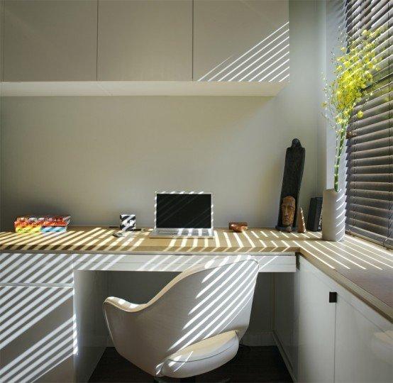 Фотография: Кабинет в стиле Минимализм, Декор интерьера, Малогабаритная квартира, Квартира, Цвет в интерьере, Дома и квартиры, Белый – фото на INMYROOM