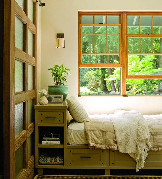 Фотография: Спальня в стиле Восточный, Декор интерьера, Малогабаритная квартира, Квартира, Дома и квартиры, Советы, Зеркало – фото на INMYROOM