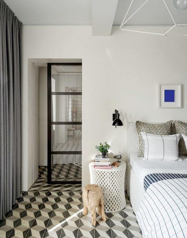 Фотография: Спальня в стиле Современный, Эклектика, Декор интерьера, Квартира, Советы, Дорого и бюджетно – фото на INMYROOM