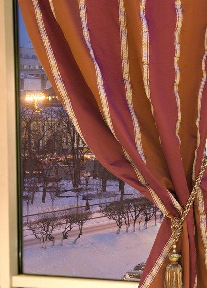 Фотография: Гостиная в стиле Лофт, Индустрия, События, Ткани, Маркет, Галерея Арбен – фото на INMYROOM