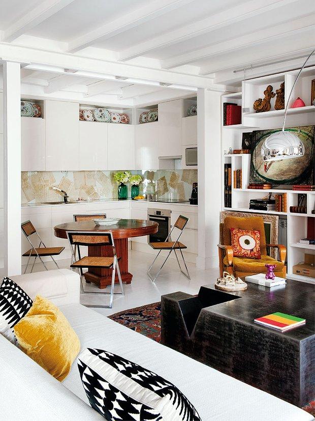 Фотография: Гостиная в стиле Эклектика, Кухня и столовая, Стиль жизни, Советы, Стол – фото на INMYROOM