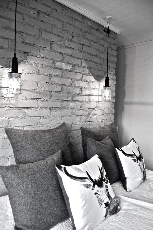Фотография: Спальня в стиле Лофт, Декор интерьера, Текстиль, Подушки – фото на INMYROOM