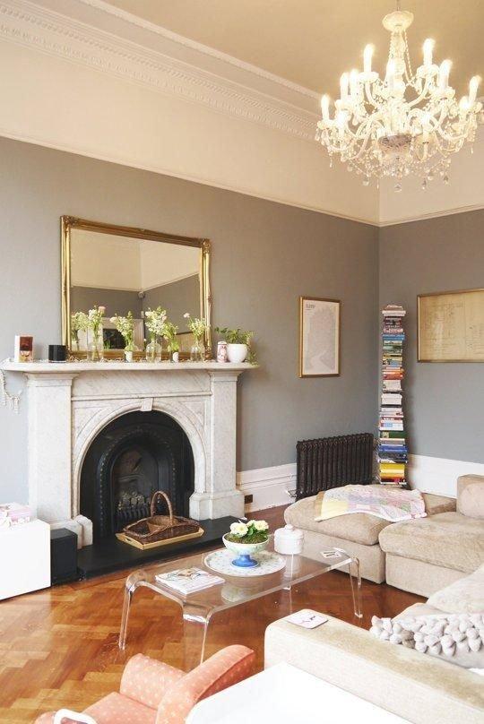 Фотография: Гостиная в стиле Эклектика, Декор интерьера, Дизайн интерьера, Цвет в интерьере, Потолок – фото на INMYROOM