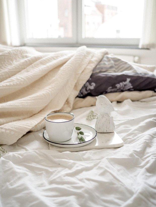 Фотография: Спальня в стиле Скандинавский, Советы, скандинавский интерьер, декор в скандинавском стиле, хюгге, интерьер в стиле хюгге, Русклимат – фото на INMYROOM