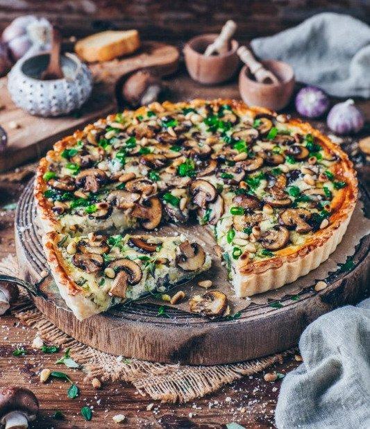 Фотография:  в стиле , Закуска, Основное блюдо, Выпекание, Выпечка, Кулинарные рецепты, 45 минут, Европейская кухня, Просто, Шампиньоны, Тофу, Зеленый лук – фото на INMYROOM