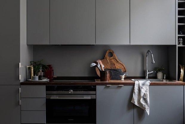 Фотография: Кухня и столовая в стиле Современный, Скандинавский, Эклектика, Декор интерьера, Малогабаритная квартира, Квартира, Швеция, Стокгольм, как оформить малогабаритку, как самостоятельно оформить интерьер, 2 комнаты, до 40 метров – фото на INMYROOM