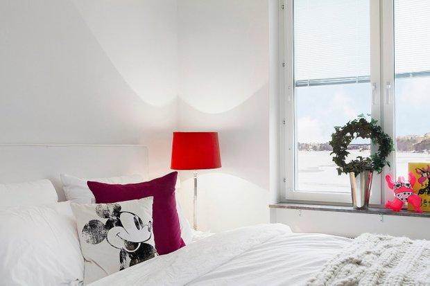 Фотография: Спальня в стиле Современный, Скандинавский, Малогабаритная квартира, Квартира, Цвет в интерьере, Дома и квартиры – фото на INMYROOM