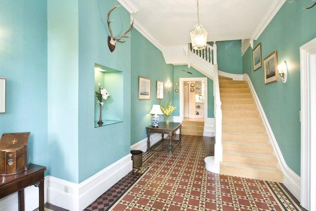 Фотография: Прихожая в стиле Прованс и Кантри, Интерьер комнат, Ковер, Шкаф – фото на INMYROOM