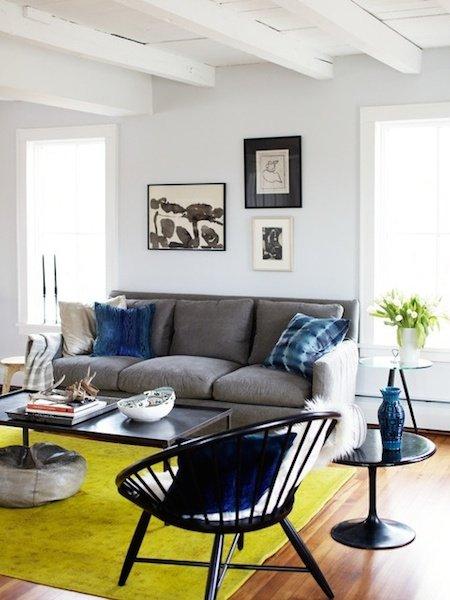 Фотография: Гостиная в стиле Скандинавский, Декор интерьера, Мебель и свет, Цвет в интерьере, Ковер – фото на INMYROOM