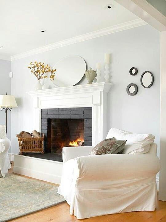 Фотография: Гостиная в стиле Скандинавский, Интерьер комнат, Мебель и свет, Диван, Потолок – фото на INMYROOM
