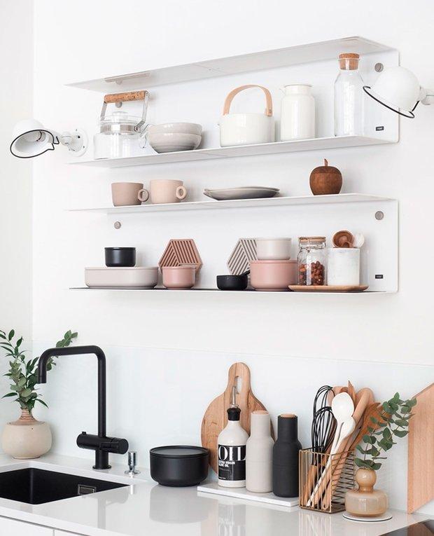 Фотография: Кухня и столовая в стиле Скандинавский, Советы, уборка дома, уборка на кухне, аллергия, чем опасна губка, тряпка для уборки – фото на INMYROOM