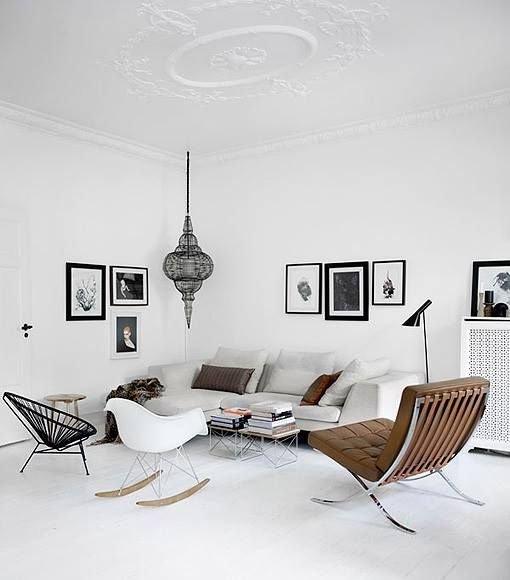 Фотография: Гостиная в стиле Скандинавский, Декор интерьера, Мебель и свет, Советы, Белый, как оформить пустой угол, пустой угол в квартире – фото на INMYROOM