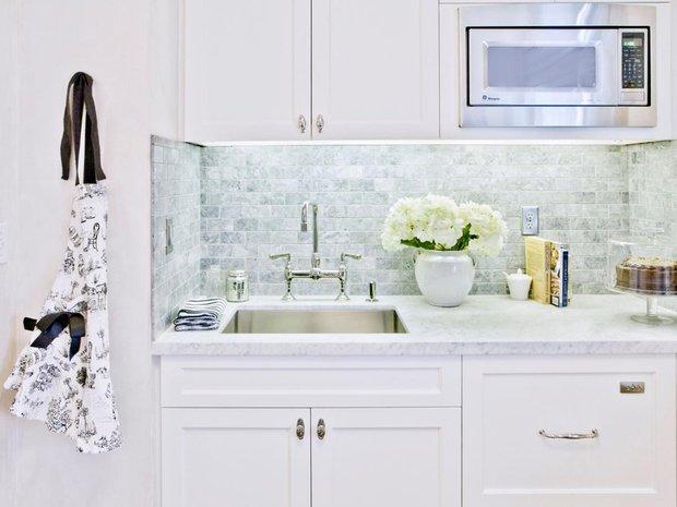 Фотография: Кухня и столовая в стиле Классический, Прочее, Советы, ламинат, хранение – фото на INMYROOM