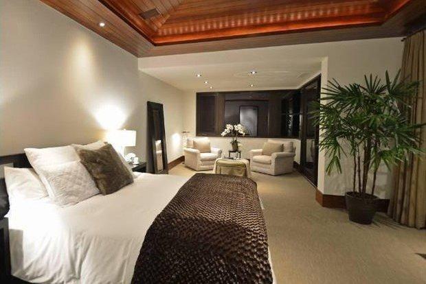 Фотография: Спальня в стиле Классический, Современный, Дом, Дома и квартиры, Интерьеры звезд – фото на InMyRoom.ru