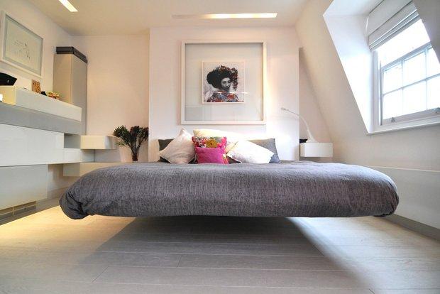 Фотография: Спальня в стиле Современный, Декор интерьера, Малогабаритная квартира, Мебель и свет, Готический – фото на INMYROOM