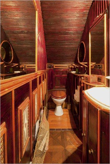 Фотография: Ванная в стиле Прованс и Кантри, Дом, Дома и квартиры, Лестница – фото на INMYROOM