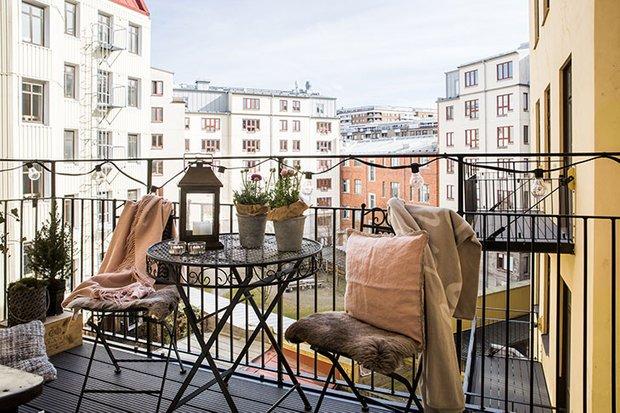 Фотография: Балкон в стиле Скандинавский, Декор интерьера, Квартира, Швеция, 3 комнаты – фото на INMYROOM