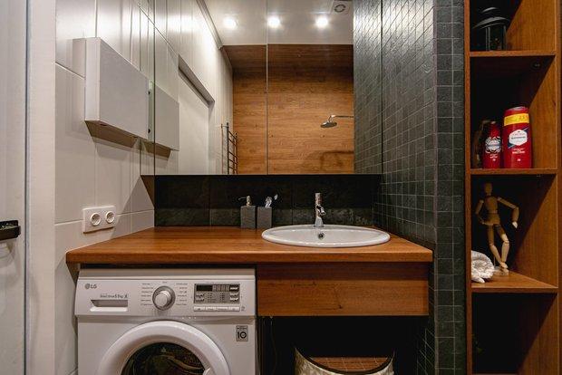 Фотография:  в стиле , Ванная, Советы, хранение в ванной комнате, маленькая ванная – фото на INMYROOM